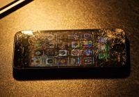 Cum reparam display-ul si ecranul unui iPhone 2G