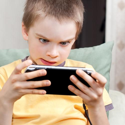 Exemple de jocuri violente pentru telefon care iti vor atrage sigur atentia